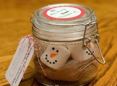 Cute Homemade Christmas Gifts - Snowmen Hot Cocoa - Click pic for 25 DIY Christmas Gifts in a Jar