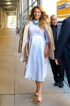 Blake+Lively's+Chic+Mom-to-Be+Style  - HarpersBAZAAR.com