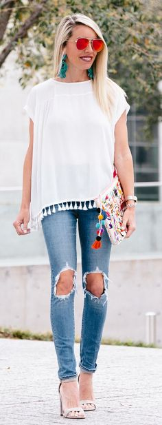 #spring #outfits White Fringe Top & Destroyed Skinny Jeans & Grey Sandals