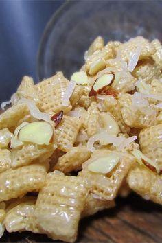 Heavenly Mix Excellent I halved all the amount and it still made a big batch Snack Mix Recipes, Yummy Snacks, Appetizer Recipes, Dessert Recipes, Cooking Recipes, Appetizers, Yummy Food, Snack Mixes, Healthy Recipes
