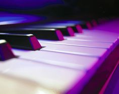 i absolutely love pianos and their beautiful music