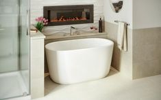 Soaking Tubs For Small Spaces Soaking Tub For Small Bathroom The Lullaby Is Take On Creating A Small Deep Bathtub That Soaking Tub For Small Japanese Soaking Tub Small Spaces Simple Bathroom, Modern Bathroom Design, Bathroom Interior Design, Modern House Design, Bathroom Designs, Small Soaking Tub, Small Bathtub, Small Freestanding Tub, Mini Bathtub