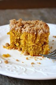 It& fall and I haven& been posting any pumpkin recipes. What a shame. So when I realized that, I bought a ton of pumpkin. Crumb Coffee Cakes, Pumpkin Coffee Cakes, Pumpkin Dessert, Coffee Bread, Just Desserts, Delicious Desserts, Dessert Recipes, Yummy Food, Pumpkin Recipes