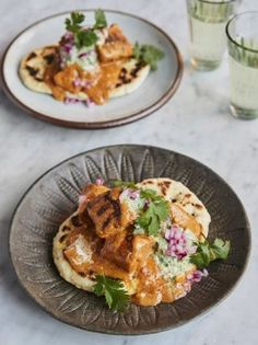 Jamie and Claudia tackle this delicious Indian dish on Friday Night Feast. Teamed with an onion pickle mint yoghurt and easy naan it's a winner! Butter Chicken Rezept, Friday Night Feast, Friday Night Dinners, Claudia Winkleman, Fresh Coriander, Indian Dishes, Naan, Spicy, Cooking Recipes