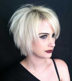 Best Short Choppy Hair for Ladies. Short choppy hair adds amazing texture that will take your look into an indent. Short Razor Haircuts, Choppy Bob Hairstyles, Short Hairstyles For Women, Layered Hairstyles, Hairstyles 2016, Razor Cut Hairstyles, Short Textured Haircuts, Haircut Short, Short Blonde