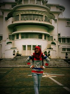 My dream. Wanna be have a picture at UPI
