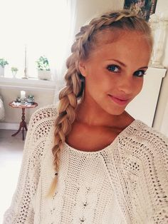 Let me look like you!! Beautiful (inside-out) Norwegian blogger Emilie 'Voe' Nereng