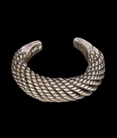 Laos | Woman's bracelet; silver. Lu people, Luang Prabang (province), ca. early 20th century | © Musée du quai Branly
