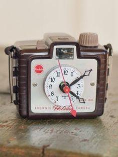 repurposed cameras | repurposed brownie camera clock | Upcycle