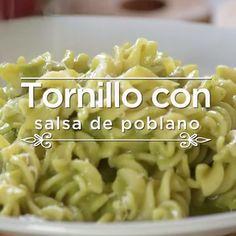 Cilantro screw paste with poblano pepper - Recetas Para Cocinar Postres Healthy Cooking, Cooking Recipes, Healthy Recipes, Oven Cooking, Italian Recipes, Mexican Food Recipes, Food Porn, Deli Food, Good Food