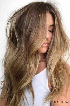 Gorgeous voluminous hair with waves and blonde balayage hair color. Balayage Highlights, Hair Color Balayage, Natural Highlights, Natural Balyage, Natural Ombre Hair, Natural Blonde Highlights, Dark Blonde Balayage, Chunky Highlights, Brunette Highlights