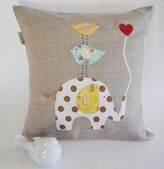 Dieses Kissen wird Ihr Kind Schlafzimmer, Kinderzimmer oder Familienzimmer erhellen! Tolle einzigartige, ungewöhnliche Geschenk für kleine Mädchen