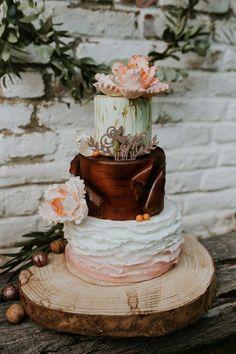Into the wood! Holz & Liebe in Peach, Gold und Braun NATALIE KUBERNATH http://www.hochzeitswahn.de/inspirationsideen/into-the-wood-holz-liebe-in-peach-gold-und-braun/ #wedding #inspo #rustic