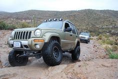 Lifted Jeep Liberty Renegade KJ SFA Solid Front Axle off road