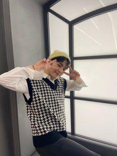 K Wallpaper, Hyun Suk, Twitter Update, Yg Entertainment, Boy Bands, Boy Groups, Yoshi, Finding Yourself, Kpop