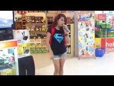 Girl Sings  I Will Always Love You  Karaoke at Supermarket AMAZING!