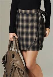 Coisas para usar subjects in photography course - Photography Subjects Diy Dress, Dress Skirt, Couture, Mode Style, Skirt Outfits, Refashion, Diy Clothes, Tartan, Trendy Outfits