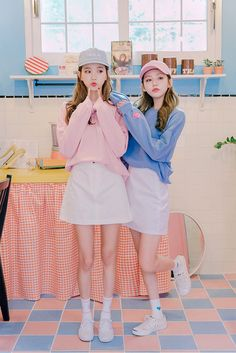 Hyemi and Ji Yeon beauties in September 2016 fashion photos photos) Twin Outfits, Couple Outfits, Preppy Outfits, Korean Outfits, Ulzzang Korean Girl, Cute Korean Girl, Korean Photography, Girl Photography, Jung So Min