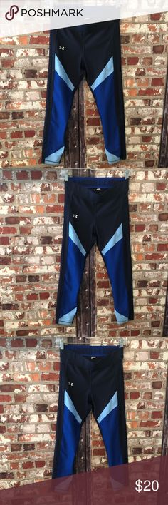 Under Armour Logo Workout Leggings Blue Size S Under Armour Size S Excellent Condition  Logo Elastic band  Super cute and stylish to run in! Bundle and save $$$$ Pants Track Pants & Joggers