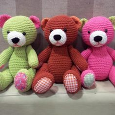 Crochet bear toy green color | GlobeIn