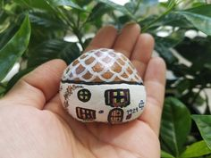 Rock house by Nui #rockpainting