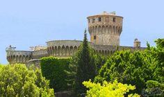 مبنى فورتيزا ميديسيا Fortezza Medicea مطعم بشرف عليه السجناء: تساورنا في بعض الأحيان أفكّارًا غريبة كأن ندخل السجن في محاولة للتعرّف على…