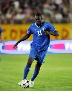 Mario Balotelli Euro 2012, Good Soccer Players, Super Mario, World Cup, Superstar, Football, Running, Athletes, Fitness