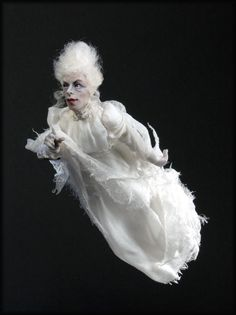 Flying Ghost by Creager Studios Haunted Dollhouse, Haunted Dolls, Dollhouse Dolls, Miniature Dolls, Dollhouse Miniatures, Halloween Doll, Halloween Ghosts, Macabre Decor, Art Dolls