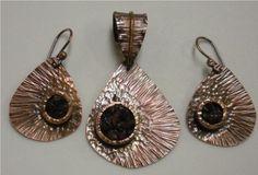 Teardrop Earrings and Pendant, a Free Wire Jewelry Pattern by Judy Larson for Wirejewlery.com