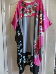 Unique Resume, Silk Kaftan, American Quilt, Style Couture, Lana, Valentino, Creations, Kimono Top, African