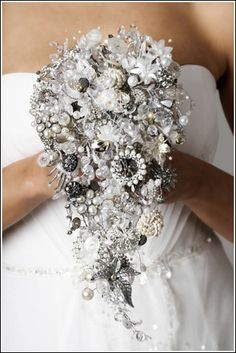 Teardrop brooch bouquet by Debbie Carlisle | dcbouquets.co.uk