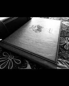 "1,145 Suka, 1 Komentar - Handmade Album & Custom Box (@kasmaran.id) di Instagram: "". . . #love #alhamdulillaah #weddingalbum #weddingbox #weddingindonesia #preweddingindonesia…"""