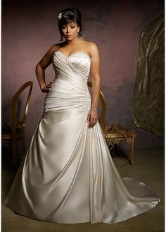 Gorgeous Satin Princess Strapless Sweetheart Neckline Plus Size Wedding Dress. It's so flowy and smooth but tight near the top. I love this style.