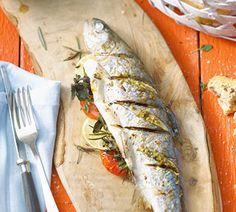 Zooooo lekker  Mediterrane forel van de BBQ - Recept - Jumbo Supermarkten.  Gemaakt met zalmforel.  Heel lekker!!