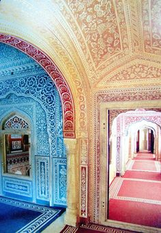 Indian heritage hotel, interior design....amazing!!!