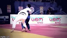 Judo gif juji-gatame: Super Massive O-goshi!   Super Kung Fu Tai Chi Fan