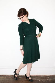 Vintage 1940s knit dress . Lady Luck . forest green sweater knit dress . 40s knit dress . green wool dress