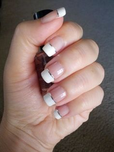 A Classic french with silver Nail Tape French Nails, French Manicure Nails, Manicure And Pedicure, Gel Nails, Acrylic Nails, Nail Polish, Manicure Ideas, Cute Nails, Pretty Nails