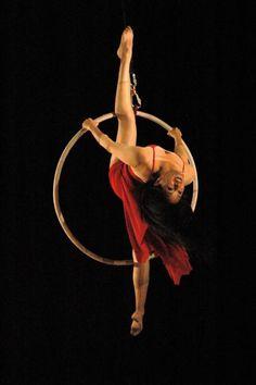 Danza aérea, aro. Tránsito Cinco Foto: Carlos Carrillo