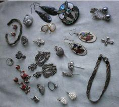 2 bracciali 8 orecchini 3 spille 5 anelli 6 pendenti-argento perle smalto quarzo