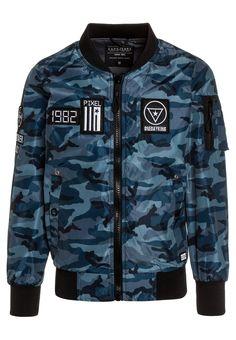 https://www.zalando.es/cars-jeans-kids-smash-chaquetas-bomber-dark-blue-c7424l020-k12.html?zoom=true