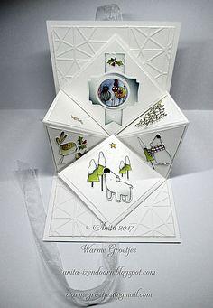 Pop up kaart met stempels van Krista Schneider de binnenzijde van de pop up kaart