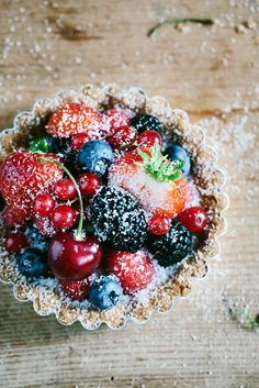 Berry Tartlets - Berries - Dessert - Sweet Food - Summer Love - Recipe Source by betsylife Tart Recipes, Sweet Recipes, Köstliche Desserts, Dessert Recipes, Small Desserts, Cupcakes, Love Food, Sweet Treats, Yummy Food