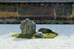 Zen Rock Garden, Zen Garden Design, Ryoanji, Japan Garden, Driveway Landscaping, L And Light, Japanese Culture, Kyoto, Backyard