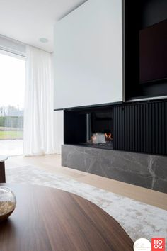 Bathroom Design Luxury, Home Interior Design, Interior Decorating, Fireplace Tv Wall, Fireplace Design, Living Room Tv, Living Room With Fireplace, Family Room Design, Apartment Design
