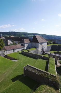 La Citadelle de Besançon, chef d'oeuvre de Vauban inscrit au Patrimoine mondial de l'UNESCO. Impressionnante et majestueuse, la Citadelle est aujourd'hui un haut lieu de culture et de tourisme.