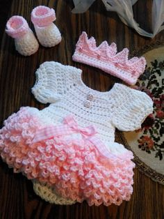 Crochet white and pink ruffled onsie dress set....fits newborn to 3 months...made to order