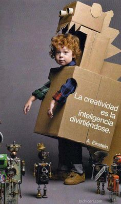 Make your kid a robot costume for Halloween and he'll love you forever. No directions; this photo was in the Anthropologie catalog. Little People, Little Ones, Little Girls, Costume Dinosaure, Cardboard Crafts, Cardboard Costume, Cardboard Boxes, Cardboard Robot, Cardboard Animals