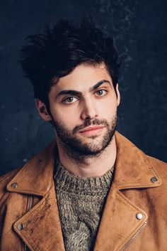27 Things We Learned On Set With Matthew Daddario//hello new best friend