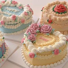 Vintage Birthday Cakes, Pretty Birthday Cakes, Pretty Cakes, Beautiful Cakes, Amazing Cakes, Cute Baking, Bolo Cake, Gateaux Cake, Cute Desserts